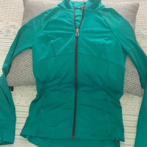 Under Armour women's all season gear light jacket